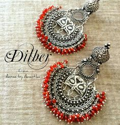 Dilber is sweetheart/darling in English. A beautiful Turki word that can totally be associated with this pair which is one of our favourite Aaraa by Avantika creations. Hope you guys like it too! Metal Jewelry, Antique Jewelry, Silver Jewelry, India Jewelry, Ethnic Jewelry, Jewelry Design Earrings, Indian Earrings, Oxidised Jewellery, Swarovski