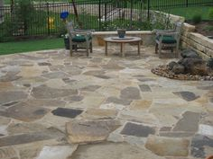 Texas limestone & Flagstone patios in Austin. Custom flagstone patio design and installations to create your custom outdoor design at home!