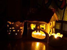 Koroneczka - frywolitki i ceramika: Ceramiczne lampiony rozgrzewające wyobraźnię