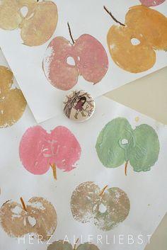 Apple stamp by herz-allerliebst, via Flickr  für die Apfelwerkstatt
