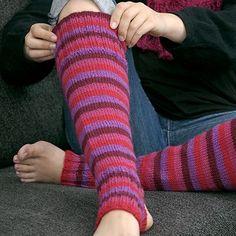 Ohje: Neulotut Syysraita-säärystimet | Lankava.fi Knitting Projects, Leg Warmers, Fingerless Gloves, Socks, Abs, Fashion, Leg Warmers Outfit, Fingerless Mitts, Moda