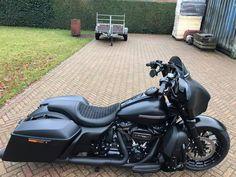 Harley Davidson Street Glide, Harley Davidson Touring, Harley Davidson Motorcycles, Cars And Motorcycles, Harley Bagger, Harley Bikes, Big Wheel, Custom Harleys, Baggers