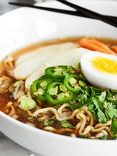 Chicken Ramen Noodles made easier in the crockpot! These Slow Cooker Ramen Noodles may be simple in preparation, but they're completely packed with flavor! showmetheyummy.com