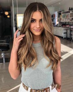 30 Best Balayage Haircuts 2019 - New Balayage Hair Color - Balayage hair makes it easy to get that trendy look! Mix ashy blonde tones with your dark brown base for a style that will surely occupy the space. Balayage Hair Blonde, Brown Blonde Hair, Brunette Hair, Ombre Hair, Ashy Blonde, Balayage Color, Brown Balayage, Bayalage Light Brown Hair, Light Brunette