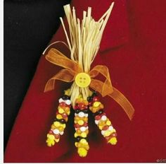 1 - Indian Corn Beaded Pin Craft Kit - Thanksgiving - (doda pin idea for Nov… Girl Scout Swap, Girl Scout Leader, Girl Scout Troop, Boy Scouts, Thanksgiving Crafts, Holiday Crafts, Brownies Girl Guides, Girl Scout Activities, Daisy Girl Scouts