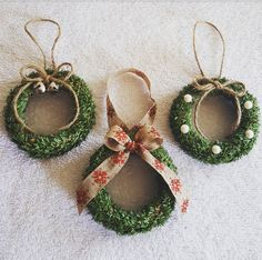 ornaments made with canning lids - Yahoo Image Search Results Christmas Ornaments To Make, How To Make Ornaments, Rustic Christmas, Handmade Christmas, Holiday Crafts, Christmas Crafts, Santa Ornaments, Jar Lid Crafts, Mason Jar Crafts