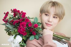 Heart-melting smile of Jungwoo (NCT) The next main character of Dispatch's V Special is Jungwoo (NCT). Nct 127, Nct Limitless, Exo Red Velvet, Johnny Seo, Kim Jung Woo, Fandoms, Heart Melting, Lil Baby, Ji Sung