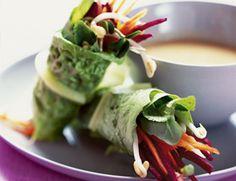 Live Spring Rolls with Lemon-Ginger Dipping Sauce / vegan