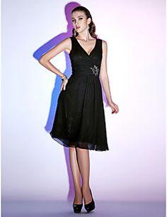 Cocktail Party / Holiday Dress - Black Plus Sizes / Petite A-line / Princess V-neck Knee-length Chiffon