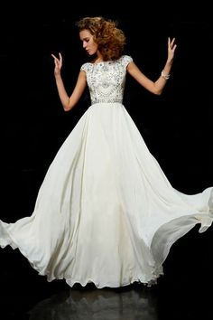 designer ball gown,designer ball gowns,Modest prom dress lo