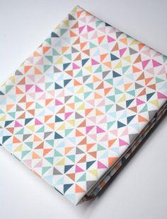 Triangle Trend - Fabric homerandruth.com