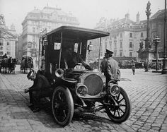 """""""Wiener Typen - Klischees und Wirklichkeit"""" im Wien Museum. Josef Engelhart 1903 Blumenmädchen"""