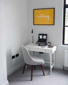 Trendy bedroom desk organization laptops home office Ideas Mac Desk, Home Office, Lily Pebbles, Bedroom Desk, Classic Interior, Trendy Bedroom, Contemporary Bedroom, Desk Organization, Small Rooms
