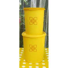 Boite Tupperware jaune gamme Soleil d'or logo fleur vintage 70 - La Boutique de Petra