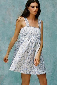 Laura Ashley Quilts, Laura Ashley Fashion, Urban Outfitters, Eccentric Style, Fashion Capsule, Urban Dresses, Smock Dress, Facon, Babydoll Dress