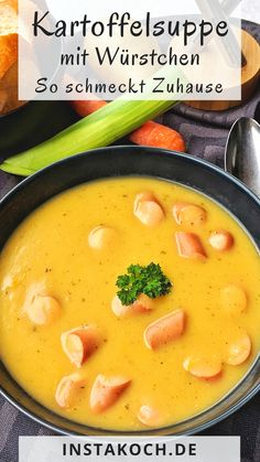 Cremig, deftige Kartoffelsuppe mit Gemüse und Würstchen - Das einfache Rezept Creamy, hearty potato soup with vegetables and sausages is a simple recipe that is quickly cooked from fresh ingredients. Salads For A Crowd, Salad Recipes For Dinner, Chicken Salad Recipes, Easy Salads, Healthy Salad Recipes, Breakfast Recipes, Easy Meals, Potato Recipes, Meat Recipes