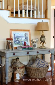 Savvy Style: Like the jar full of finds from nature and the baskets and pillow underneath!