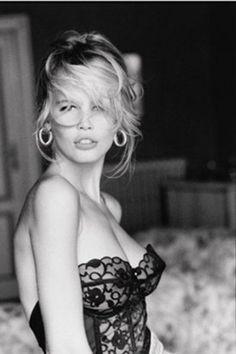 Guess, Claudia Schiffer, 1989.