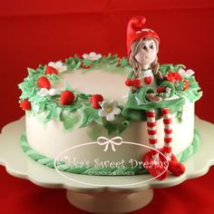 This is such a sweet little elf cake.  By Kikka on cakecentral.