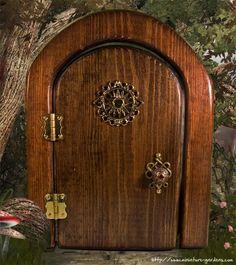 """Sun Fairy Door"" from from Enchanted Gardens © (www.miniature-gardens.com)"