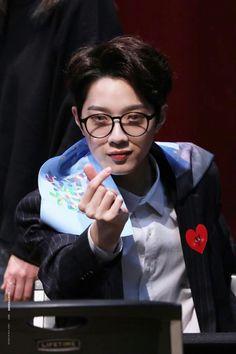 Wanna-One - Lai Guanlin Guan Lin, Lai Guanlin, Kim Jaehwan, Ha Sungwoon, Ji Sung, 3 In One, Photo Cards, Kdrama, First Love