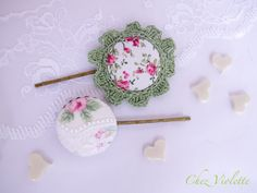 Shabby Chic Bobby Pins set Fabric covered button Rose hair pin Lace crochet Pink large. €8.00, via Etsy.