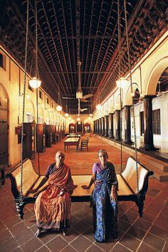 Large verandas, pillared passages and rooms that can fit a thousand people are commonly found in the traditional mansions of Chettinad. Photo: Dinodia Photo