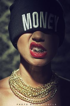 money beanie, gold chains