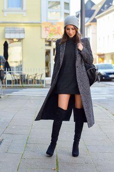 OUTFIT Zara Maxi Coat, black overknee boots, cashmere beanie, Stella McCartney falabella backpack