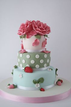 I Love this Cake.  I don't know if it's because of the Strawberries, the flowers or the colours??  Just love it!