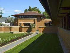 Darwin D. Martin House. 1904. Buffalo, New York. Frank Lloyd Wright. Prairie Style.