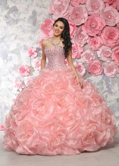 Custom quinceanera dresses in bright colors! These quince dresses can be made in any color. Lots of vestidos de quinceanera to choose from. Long Gown Dress, Ball Gown Dresses, 15 Dresses, Fashion Dresses, Girls Dresses, Pretty Quinceanera Dresses, Quinceanera Ideas, Indian Gowns Dresses, Princess Ball Gowns