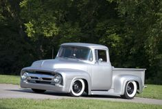 Classiest looking pick up ever ... there should have been some sort of prize awarded for whoever styled this.
