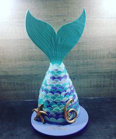 7th Birthday Cakes, Mermaid Birthday Cakes, Barbie Birthday, 6th Birthday Parties, Birthday Ideas, Mermaid Tail Cake, Little Mermaid Cakes, Little Mermaid Parties, Mermaid Cookies