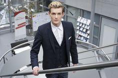 Business Outdoor  Fotografin: Stefanie Lacher Model: Michael Golanda H&M: Samup Make up Artist