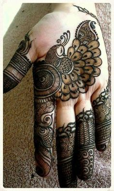 In Mehndi designs traditional mehndi design is also look good look for women hand.Here you can see latest, trendy and fancy mehndi designs. This mehndi design will available for both bride and groom. Henna Hand Designs, Dulhan Mehndi Designs, Peacock Mehndi Designs, Mehndi Designs Book, Mehndi Designs For Beginners, Modern Mehndi Designs, Mehndi Designs For Girls, Mehndi Design Pictures, Mehndi Designs For Fingers