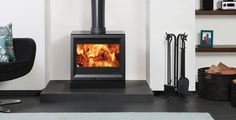 The Stovax View 8 Multifuel Stove. The View 8 stoves have a cast iron door and large glass window to enjoy the burning flames Inset Stoves, Wood Stoves, Natural Gas Stove, Boiler Stoves, Stove Installation, Stove Heater, Wood Fuel, Log Burner, Wood Fireplace