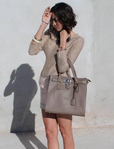 Neutral shades Miss Black Book ! #blogger #outfit #lookoftheday http://missblackbook.blogspot.mx/2014/01/look-of-day-ballerina-skirt.html