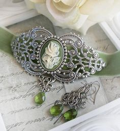 SAGE GARDEN medieval choker, Victorian velvet choker sage green with matching earrings