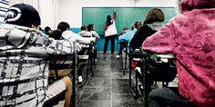 Alunos numa escola estadual em São Paulo (Foto: Apu Gomes/Folhapress)