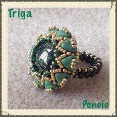 Retrouvez les perles en verre Perles & Co ici : http://www.perlesandco.com/Czechmates_Bricks_2_trous_6_mm_Azurite_Halo_x50-p-62533.html  Bague Triangles by Pencio