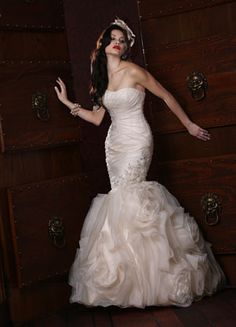 ~Impressions Bridal ~ Strapless Mermaid Gown ~ Lasting Impressions Sioux Falls, SD