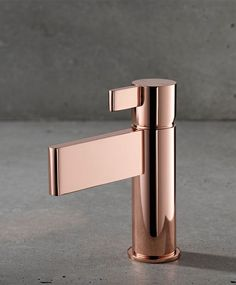 21 Ideas kitchen colors copper rose gold for 2019 Gold Bathroom Accessories, Toilet Accessories, Home Accessories, Bathroom Inspiration, Home Decor Inspiration, Best Kitchen Colors, Rose Gold Kitchen, Copper Interior, Design Industrial
