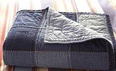 Blue Jean Quilts, Denim Patchwork, Denim Quilts, Denim Ideas, Denim Crafts, Recycle Jeans, Recycled Denim, Queen Quilt, Quilt Bedding