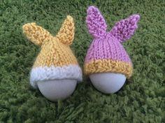 Dagens påskeoppskrift: Easter Egg Bunny Cozies | Strikkeoppskrift.com