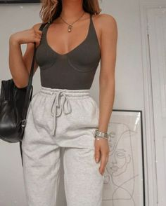 Casual Women Spring Outfits to Copy for 2020 - - Betherelove Style Outfits, Fashion Outfits, Fashion Tips, Fashion Ideas, Latest Fashion, 2000s Fashion, Fashion Hacks, Daily Fashion, Fashion Trends