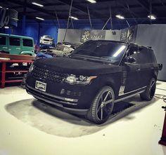Khloe Kardashian - Velvet Range Rover