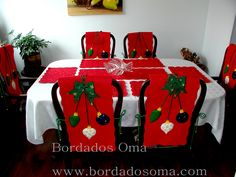 Resultado de imagen para forro para sillas navideñas Christmas Poinsettia, Christmas Time, Christmas Crafts, Red Dining Chairs, Christmas Chair Covers, Chair Back Covers, Seasonal Decor, Holiday Decor, Indoor Christmas Decorations