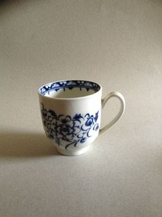 "18th century Caughley coffee cup, Peony pattern - rare ""Excellent"""