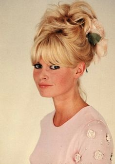 Bardot + flowers = lovely!